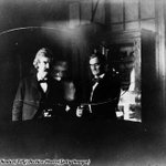 RT @HistoryInPics: Nikola Tesla (centre) performs an experiment for Mark Twain (left) and Joseph Jefferson at Tesla's lab in NYC, 1894. htt…