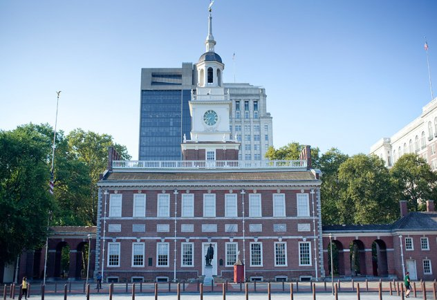 Did you know that Independence Hall is open until 7:00 p.m. and that no tickets are required to tour between 5-7? https://t.co/pCIZJooCYo
