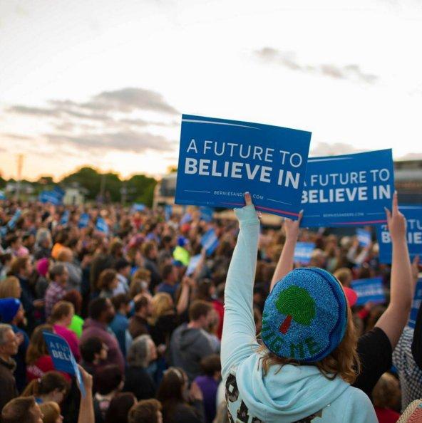 TONIGHT #AFutureToBelieve #SanFran #Fishbone #DaveMatthews #CrissyField Doors 3:30pm RSVP https://t.co/iAaBE5wj7S https://t.co/JgD5IRwdGh