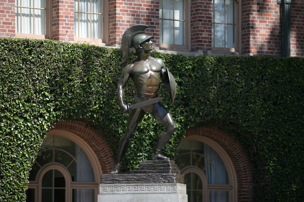On this day in 1930 - Tommy Trojan was first unveiled! Happy birthday, Tommy Trojan! #FightOnForever https://t.co/lU2R5jXnpM