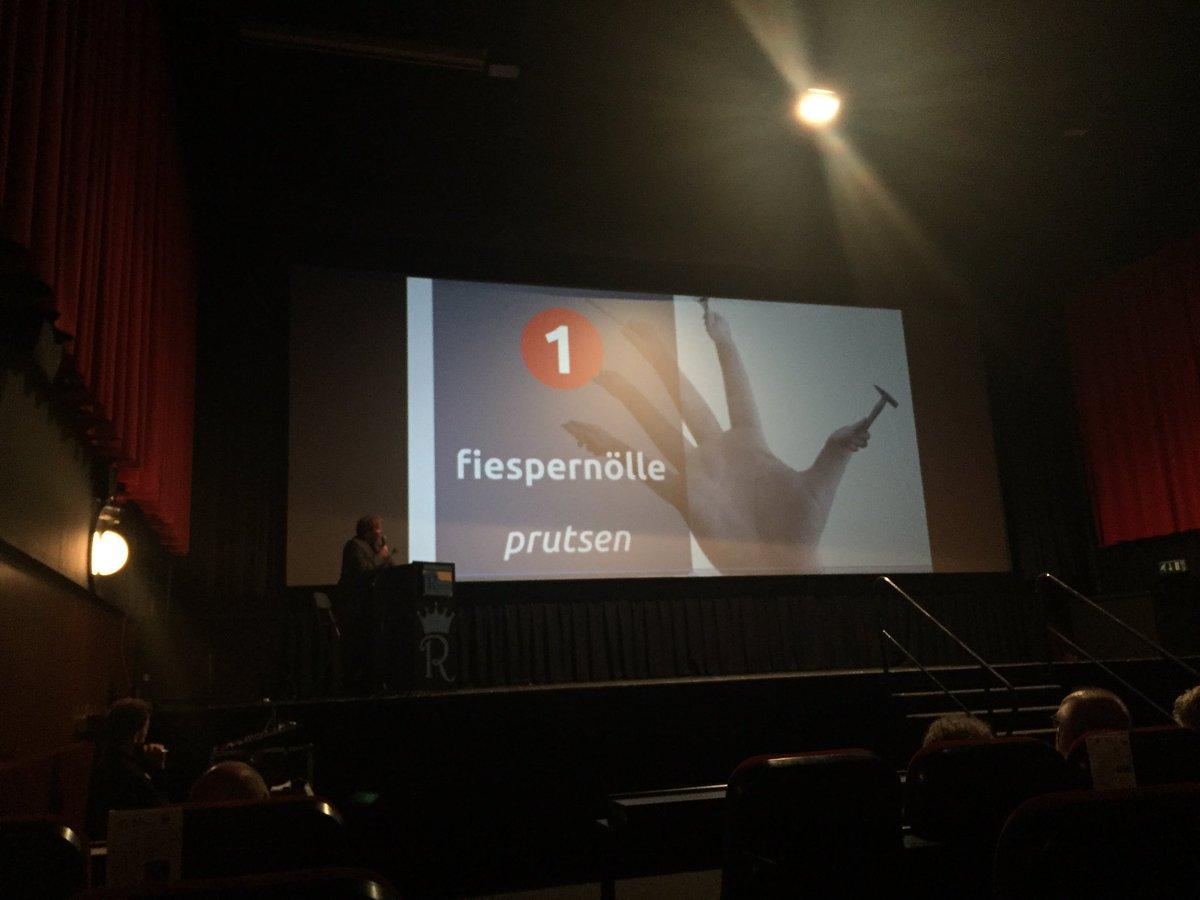 "'r Sjoanste Limburgs waord volges de laezers vanne gezèt is: "" fiespernölle"" #L1 #veldeke #jvdld https://t.co/D1rcWs0KYG"