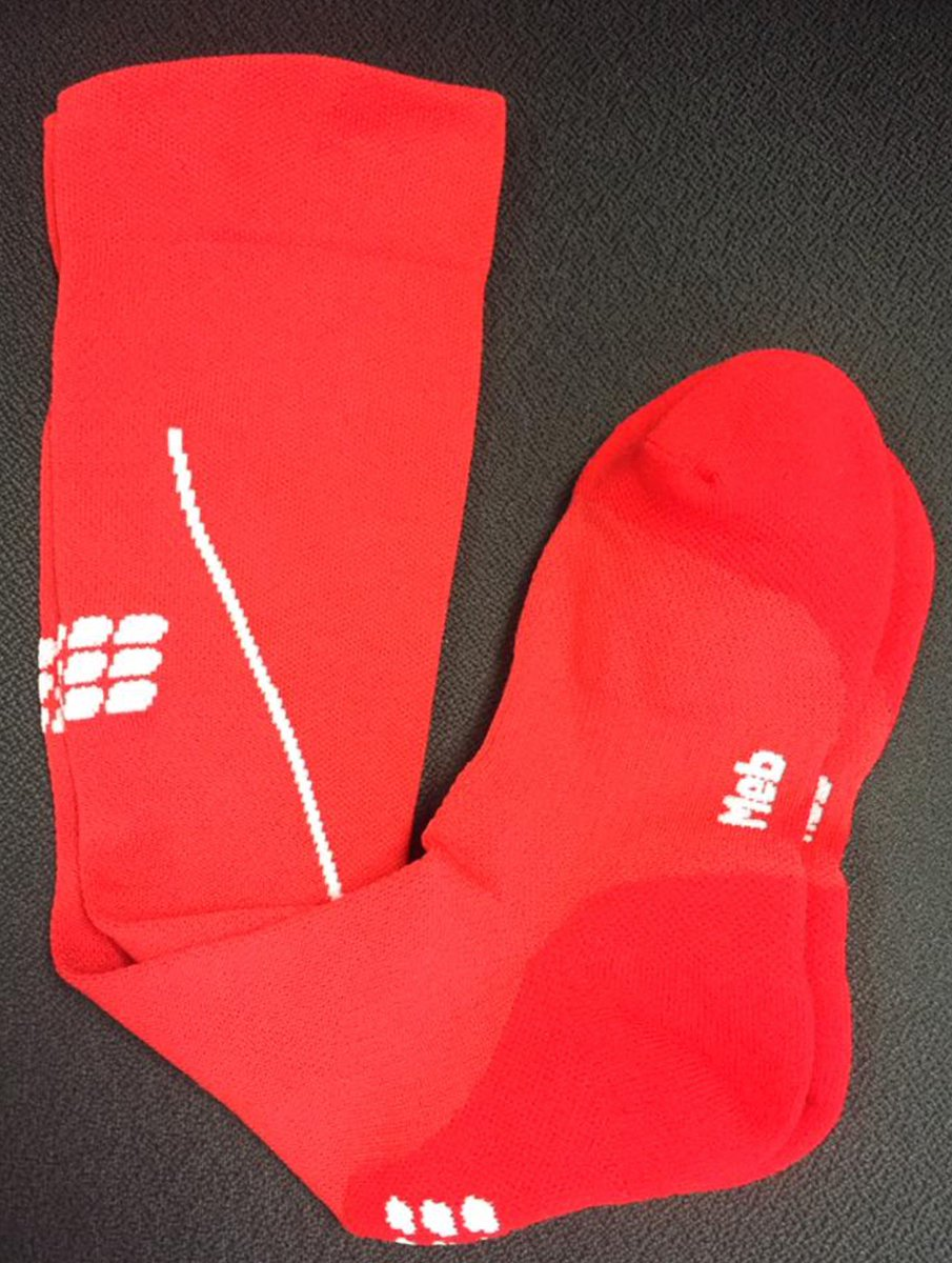 Just 60 days until the olympics here's a sneak peak of our limited edition @runmeb sock designed for him at Rio! https://t.co/4nKiNjqENx
