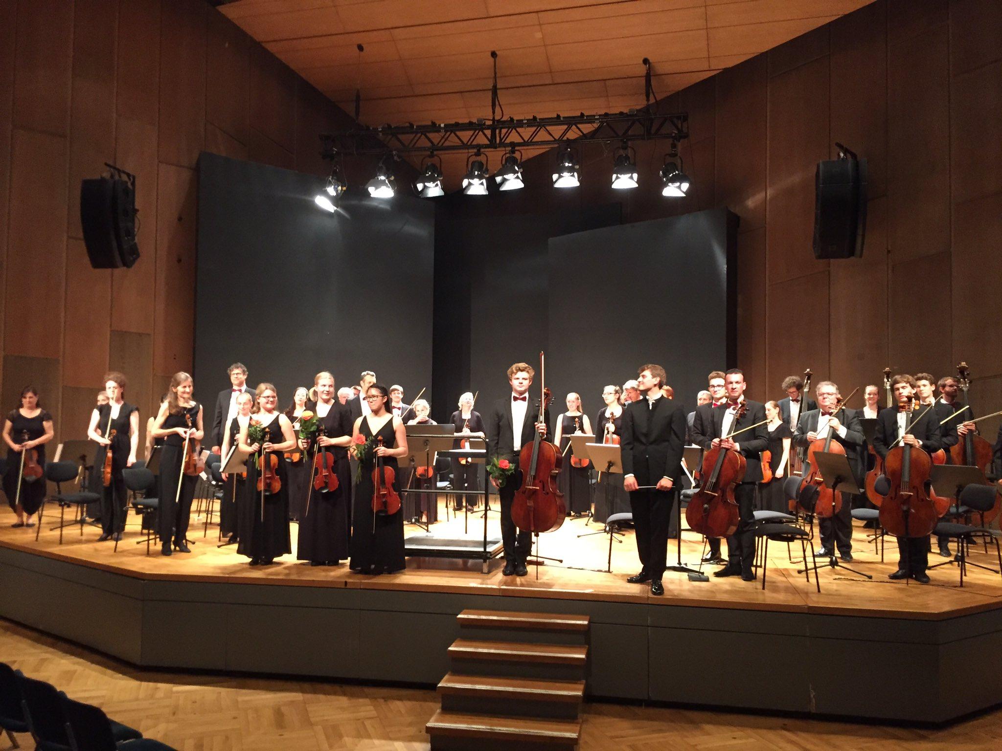"""Tolles Konzert mit unserem Patenorchester des Jugendkammerorchester der Musikschule: """"WKO-Heilbronn""""!!!! https://t.co/KKSPgiLtmG"""
