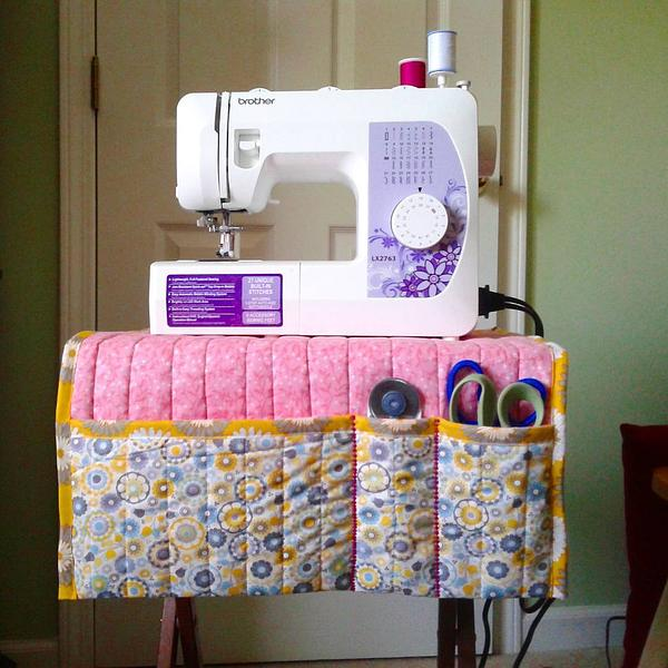 Check out this awesome #diy #sewing machine mat made by @janicearanzadoingman on her brother sewing machine! https://t.co/Xk8patiWMa