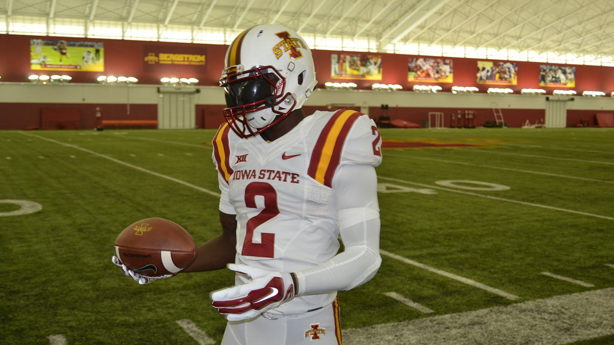 Check out Iowa State's new white uniforms: https://t.co/EWOHbOuvnM https://t.co/worKD8E6hr