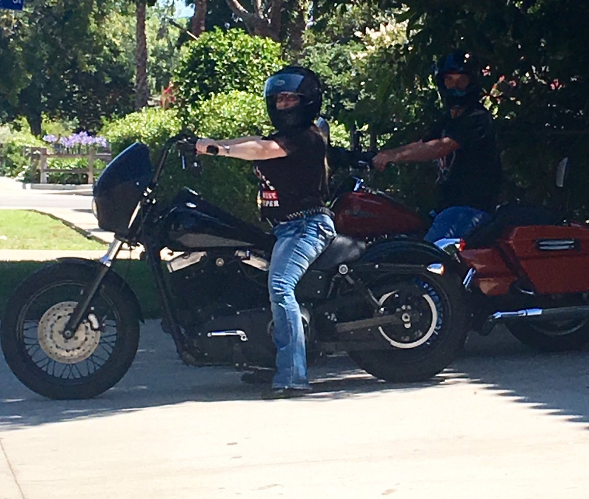 #HarleyDavidson #dyna #clubsavannahjane #bigboobs #bigbutt #pornstar #supportyourlocal81 #bigredmachine