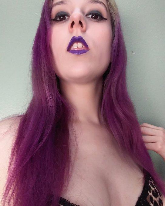 Perfection. #femdom #goddess #sexy #findom #model #purplehair #colourpop #sowavy https://t.co/wTQjAr