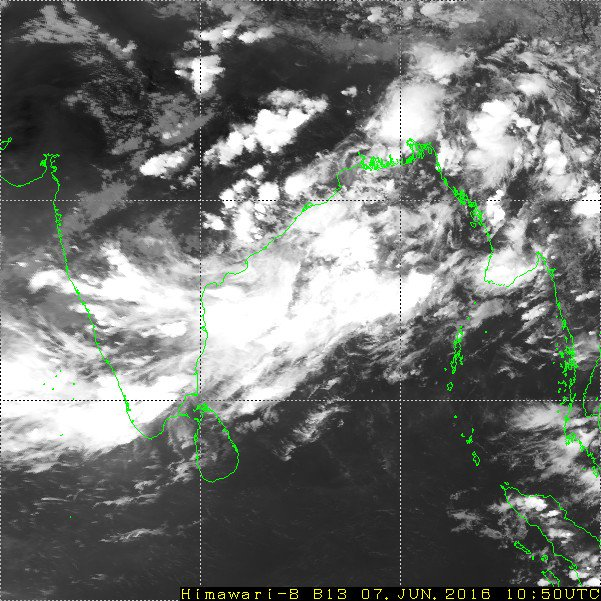 4:30pm, HEAVY rain along #Kerala coast, T showers over S-central,N Tamilnadu, central,E Karnataka, S,central Andhra https://t.co/NxU20XPulR