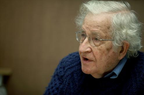 """""""O que está acontecendo no Brasil é um golpe branco"""". Entrevista com Noam Chomsky https://t.co/hcunI6vRUC https://t.co/JVrBBWFJzC"""