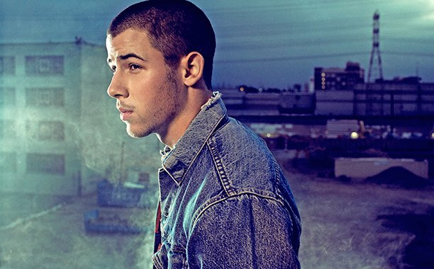 Nick Jonas serves up breakfast in Bacon video: 😍🎶
