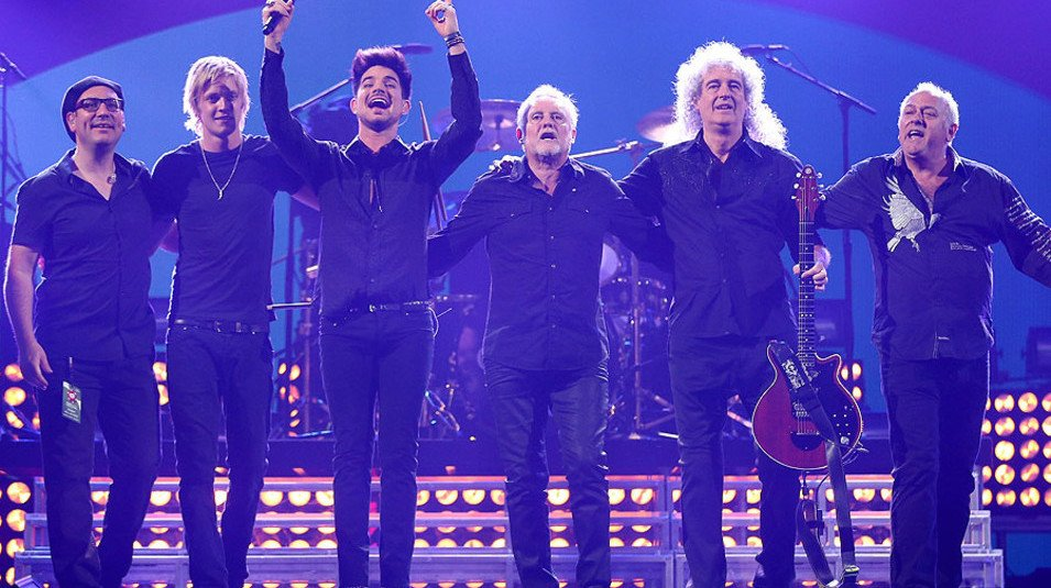 Adam Lambert says that he'd be up for recording new songs with Queen https://t.co/uSxs6DjMq5 https://t.co/ar3ofJ2E90