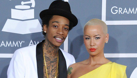 Amber Rose and Wiz Khalifa have officially reached a settlement in their divorce.