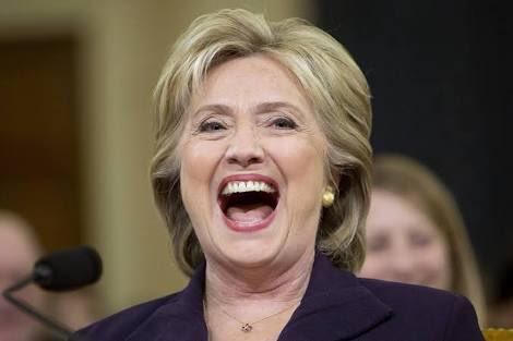 #EstadosUnidos Hillary Clinton se convierte en la primera mujer en ganar la candidatura demócrata a la presidencia https://t.co/t55SdYI8wZ