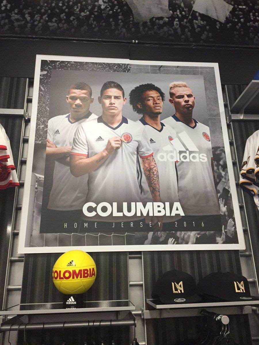 A friend saw this in LA today. To me its worse than playing the wrong anthem. How does this happen @adidas ? https://t.co/VlHAA9I18V