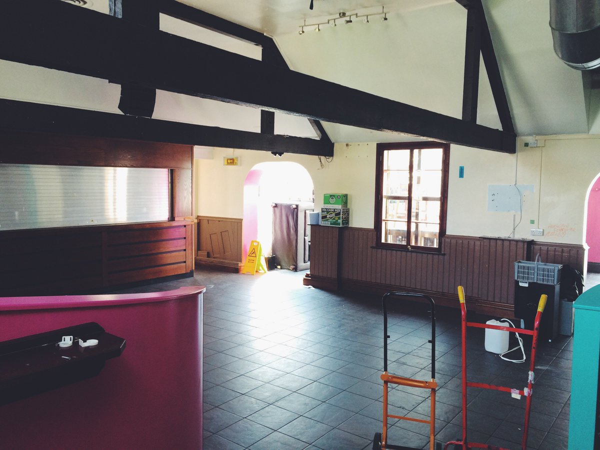 A lot of happy memories made in this rather empty looking bar! #YSJSUBigMove https://t.co/BbW9cQzsIX