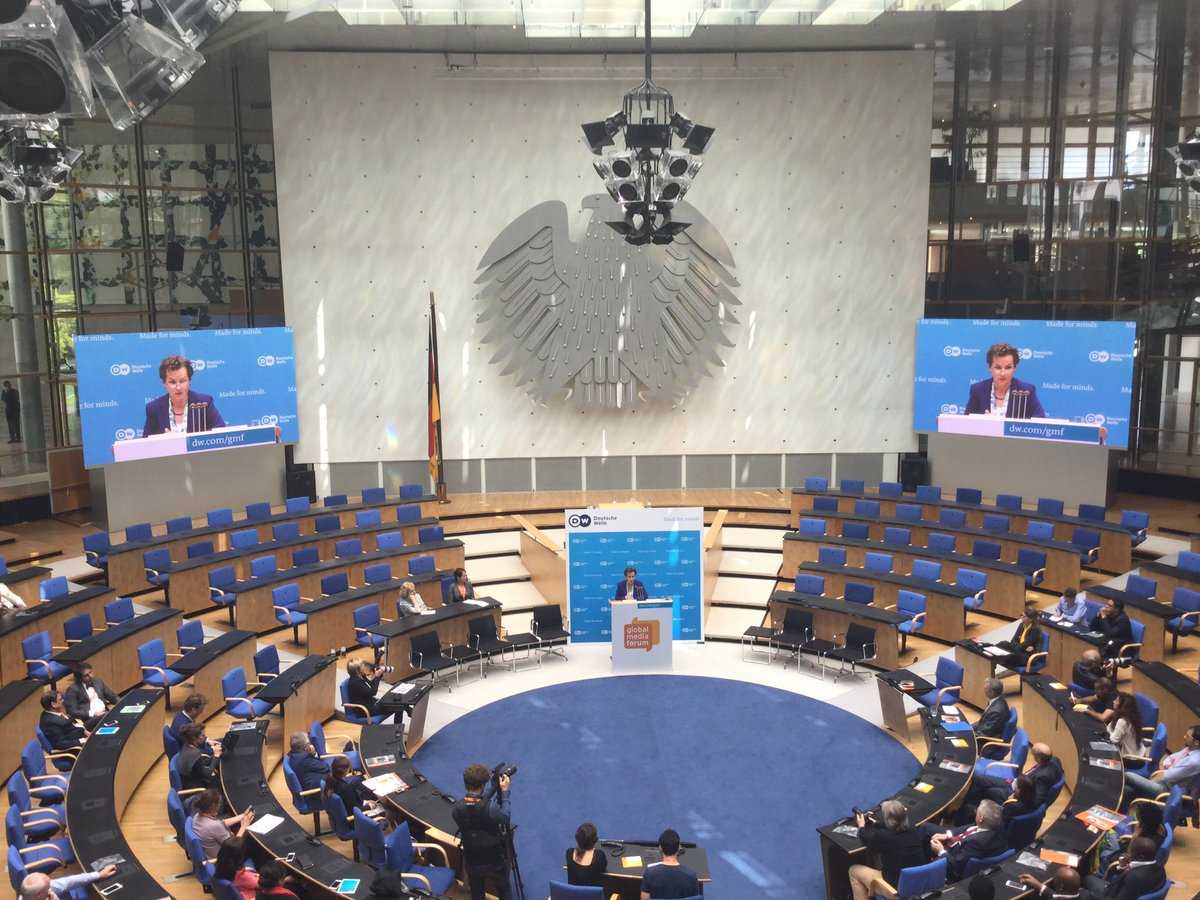 .@CFigueres calls on journalists to point out climate change ramifications when reporting. @UNFCCC #dw_gmf https://t.co/gGQJcuCCqw