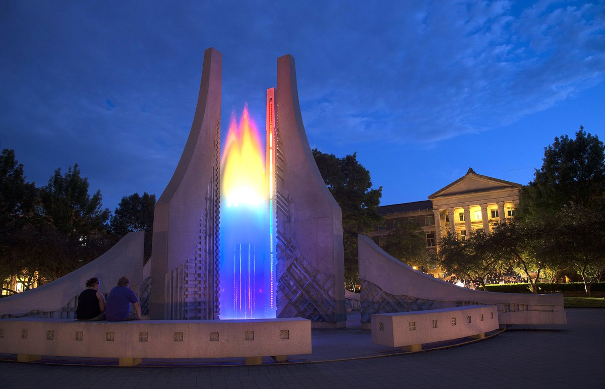 Purdue lights the  fountain & Bell Tower in rainbow colors in honor of Orlando victims at request of @Purdue_SG https://t.co/1TCfcM1Tcv