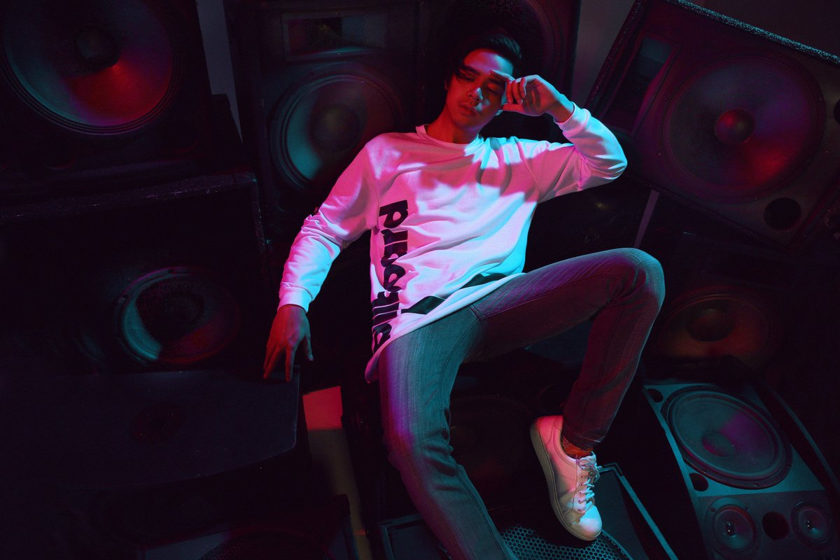 Our buddy @sam_concepcion teases the 2nd wave of #OXYGENxBILLBOARD! Get ready for it. Coming soon in stores! https://t.co/OKfcK3lvf9