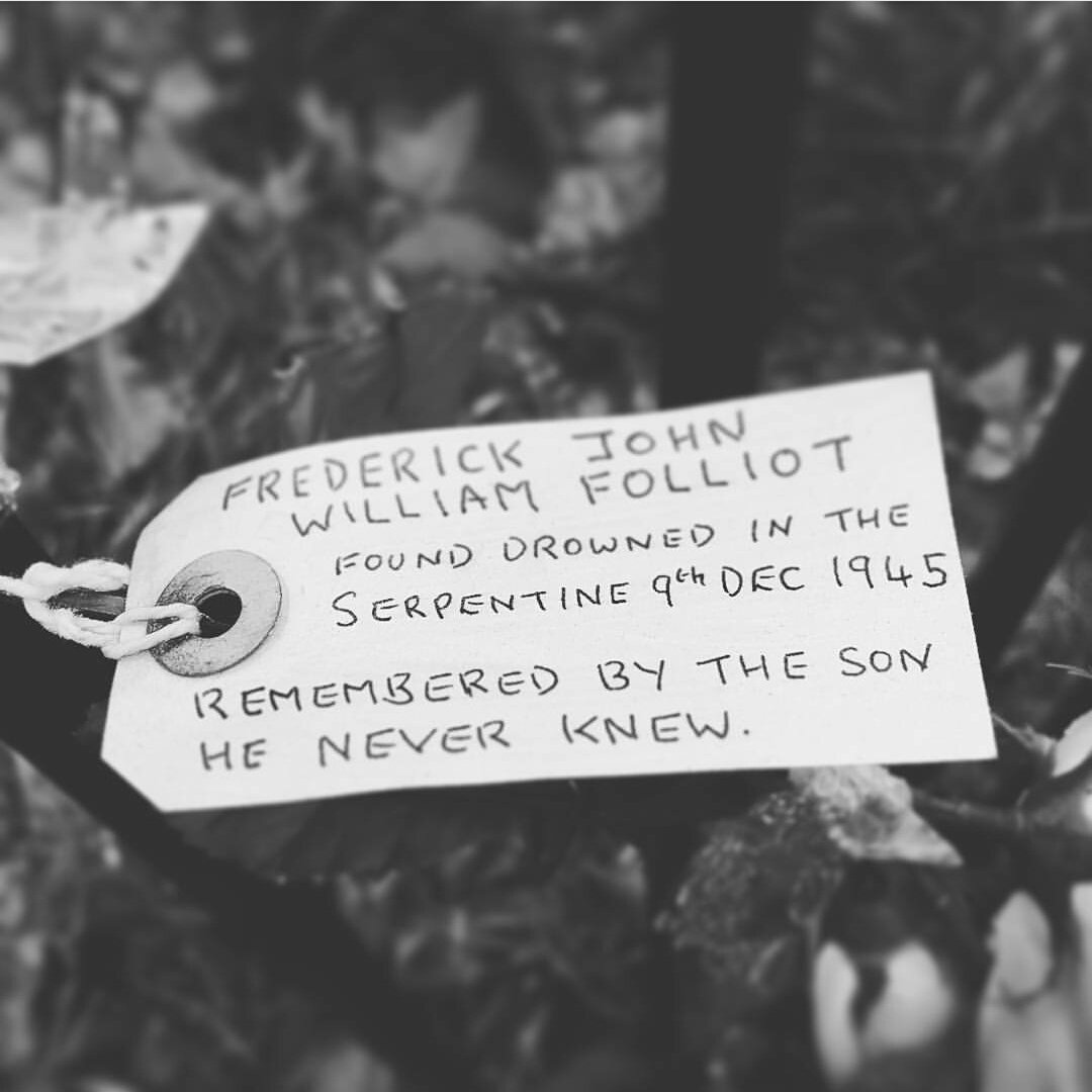 Please RT. Anyone know anything about this story? Found on a railing at the Serpentine in London's Hyde Park in Jan https://t.co/mg4YNSZ27h