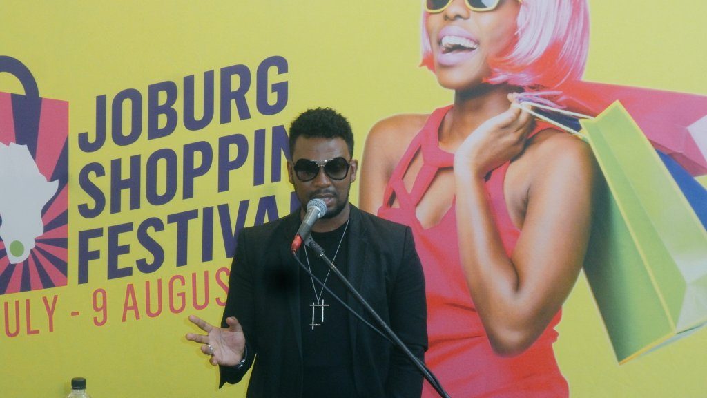 """The only way to grow is by supporting each other."" - David Tlale at #JoburgShopFest https://t.co/EyoCibjDVe"