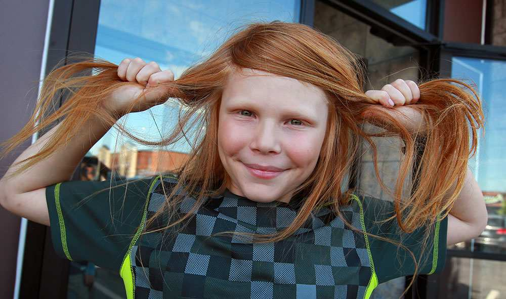 After Losing His Mother 10 Year Old Boy Has Long Hair Cut For