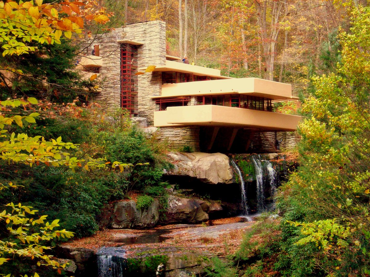 Happy Birthday to one of the greatest American architects of all time: Frank Lloyd Wright #Fallingwater https://t.co/jA4Kgx2rVp