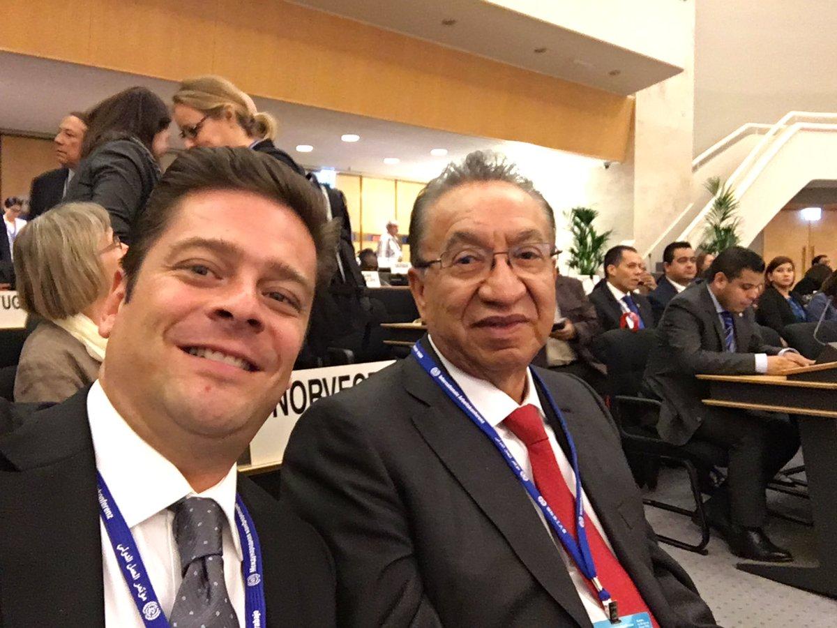 Con los rep. de los Trabajadores @CarlosAceves_ @IsaiasSiCumple y Rodolfo González de CTM, CROC y CROM #ILC2016 https://t.co/lmOEvD5FUp