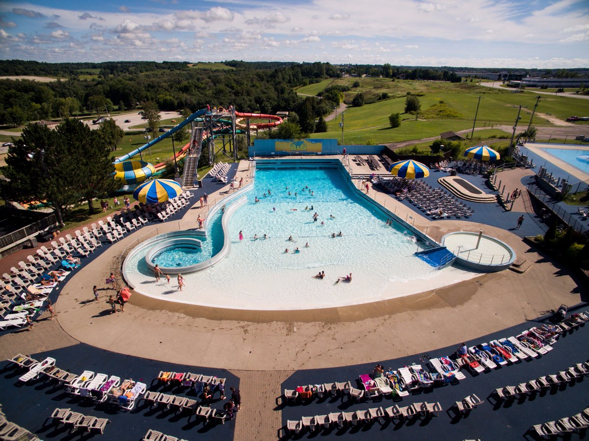 Big Splash opens THIS WEEKEND! Who's excited for some weekend waterpark fun in June?! #WaterparkWednesday #KWAwesome https://t.co/SPlGJw0QH2