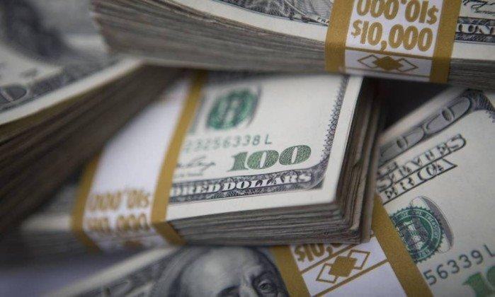 Dólar tem forte queda e fecha a R$ 3,37 — menor valor em 11 meses. Ação da Petrobras sobe 8% https://t.co/8NvthFmliw https://t.co/1mdPg6SQqA
