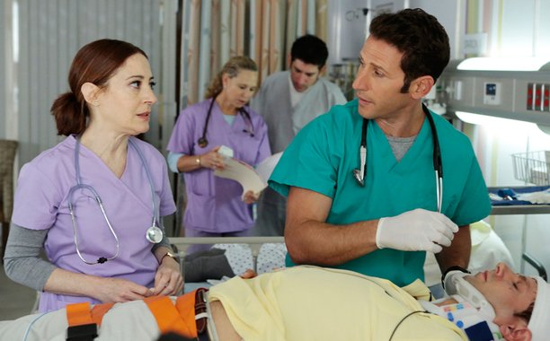 Hank gets back in the E.R. and grapples with a potential Ebola crisis on RoyalPains: