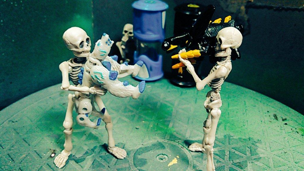 【骨息子の決闘】『逃げずによく来たな』「よくもガニメデを…」「ロック!アクティ…!?」『ストライクギアはお前だけのものじ