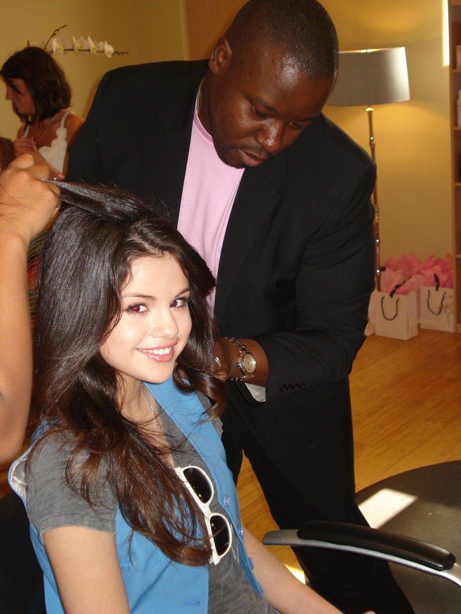 1st time I met this beauty #SelenaGomez https://t.co/fBH1rVJvlZ