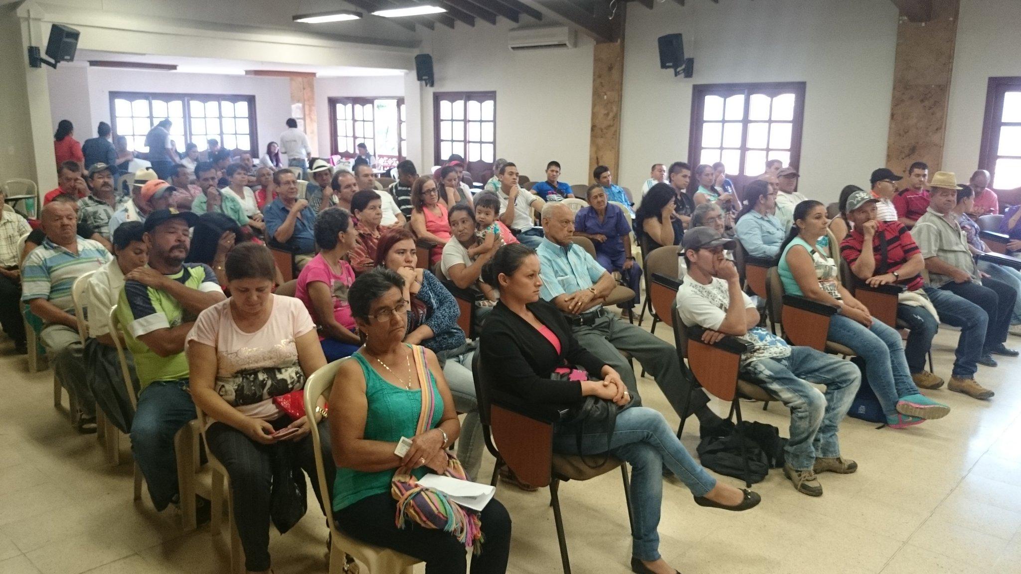 Unidad de Víctimas entregó en el municipio de Cocorná 211 indemnizaciones por valor de 1.817.733.612 #AntNoticias https://t.co/2k7NxXpoxi