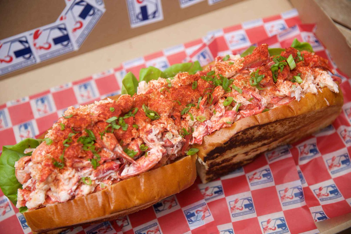 Wednesday June 15th is national lobster day! Should we celebrate with another 5lb lobster roll? #nationallobsterday https://t.co/XvnPhfqIXE