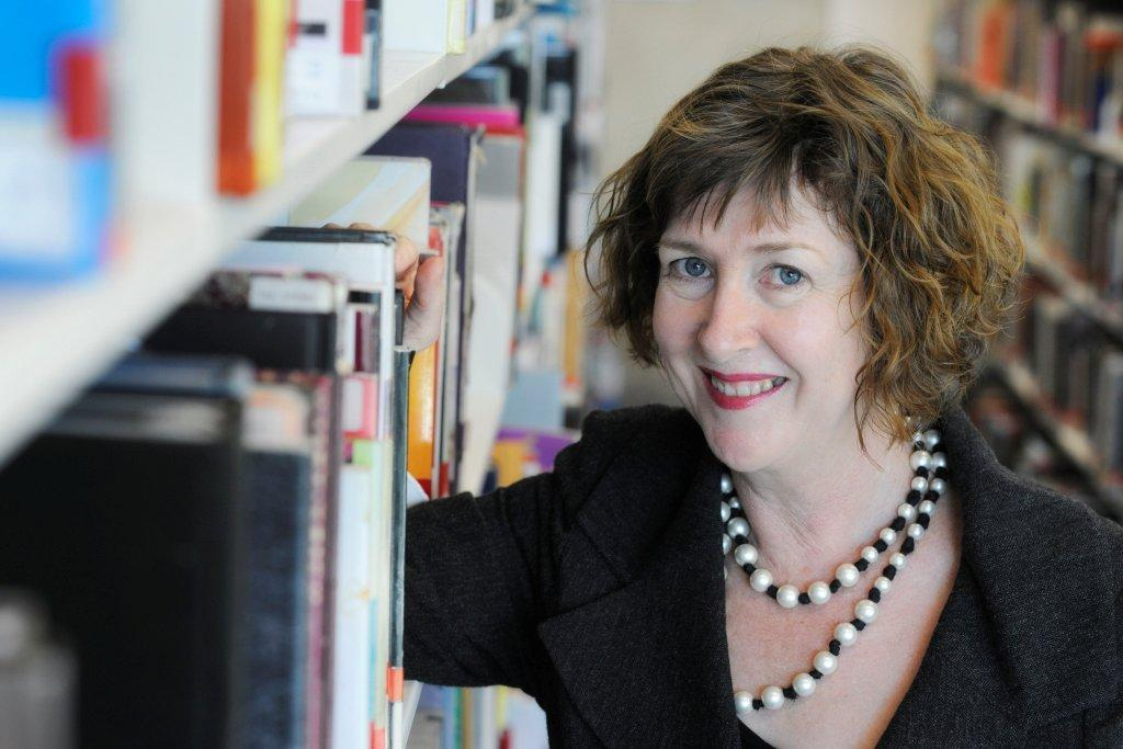 Exciting news Ms Vicki McDonald is joining @slqld as State Librarian & CEO in Sept 2016 https://t.co/OZXBxQsn8G https://t.co/FWI2bOsd09