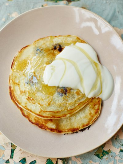 1cup pancakes 1 egg, 1 cup self-raising, 1 cup milk, pinch of salt Whisk. Pour into a hot frying pan Flip! RT&Share https://t.co/Rm1yF8A78K