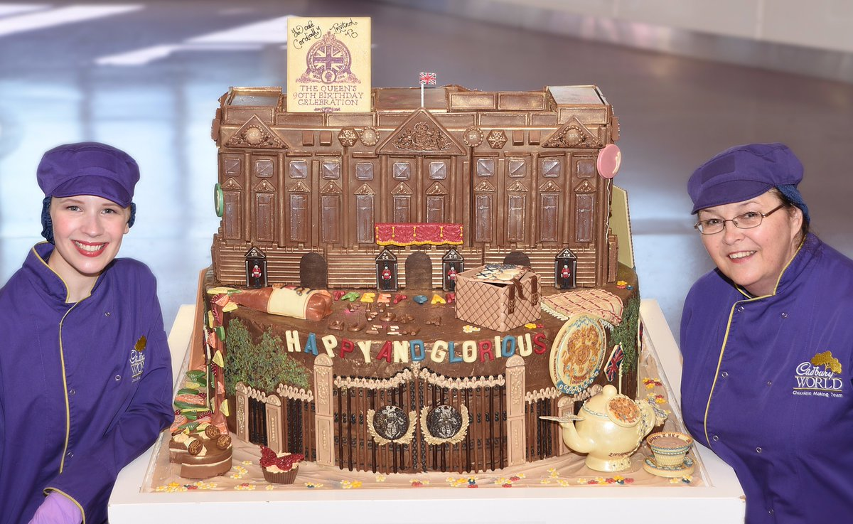 We've added a street party to our chocolate Buckingham Palace model, on display now at Cadbury World #Queenat90 https://t.co/96PM2Nxlrn