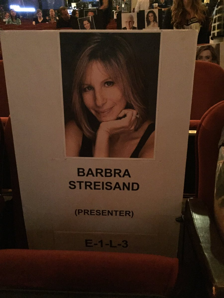 This seat has been waiting for 46 years. On Sunday, @BarbraStreisand returns to #TonyAwards. Last time was 1970. https://t.co/TbHAf9Oebu