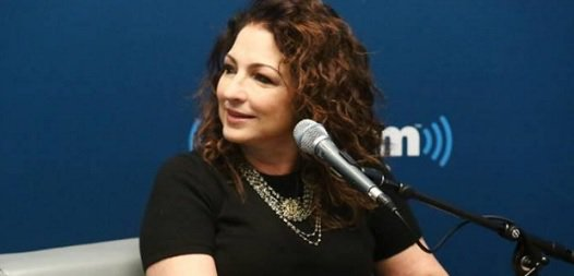 "Debuting today @SiriusXM: @GloriaEstefan @LarryFlick ""Leading Ladies"" interview. https://t.co/nskauuHUKV https://t.co/mnOUR6RtJT"