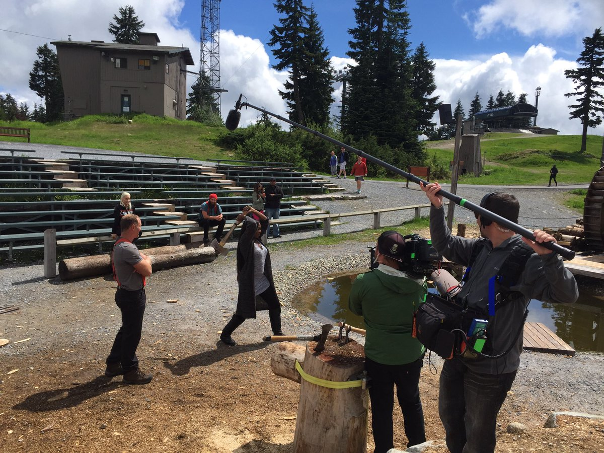 Behind the scenes filming with @maryse0uellet @NaomiWWE for @TotalDivas at #grousemountain today! https://t.co/gwylBjG3GU