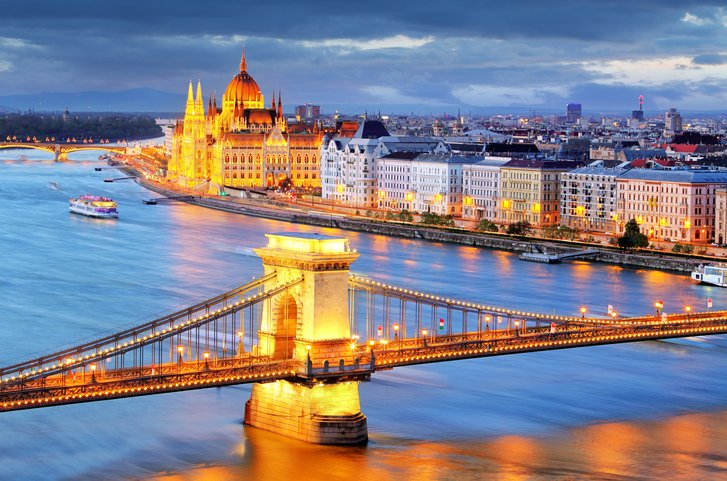 Nouv! Toronto-Budapest : aircanadarouge poursuit son expansion estivale en Eur. centrale