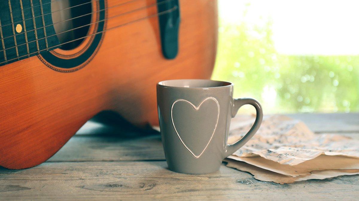 Combinação incrível: Café + Violão= Felicidade https://t.co/ywXBIAU5ZT