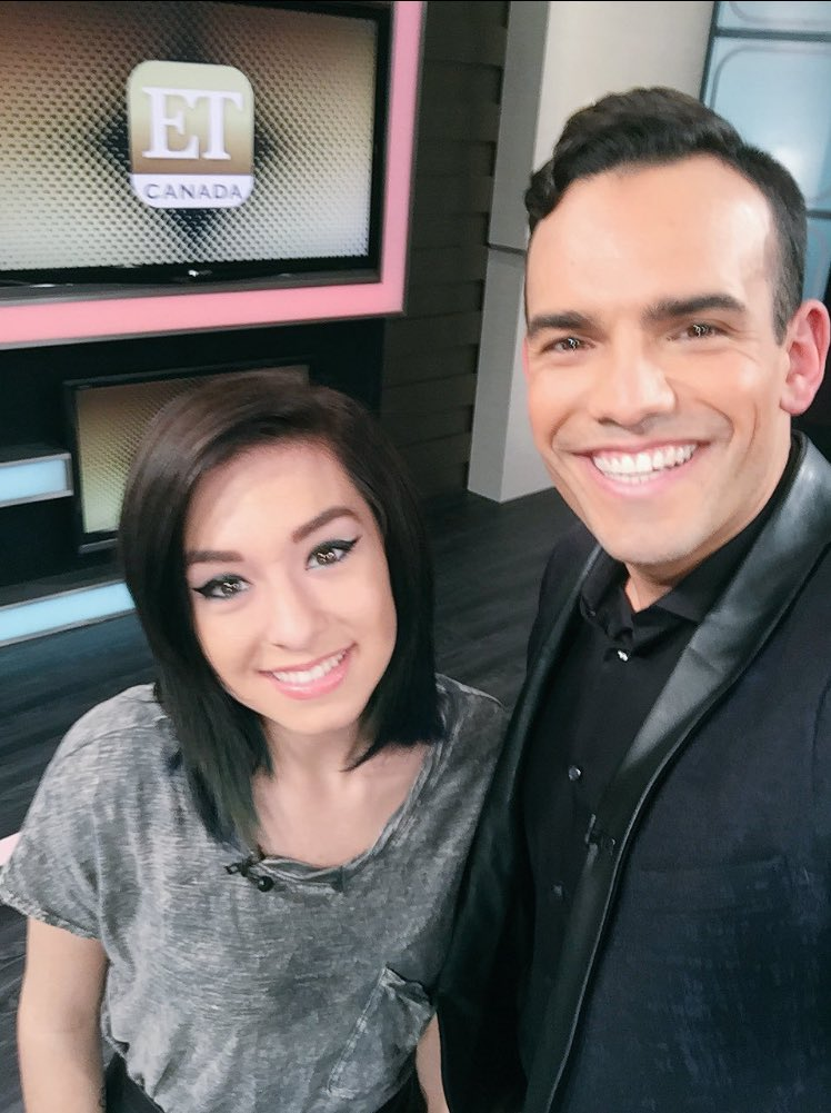 Shocked and sad to hear of the death of the insanely talented @TheRealGrimmie! A bright star! #RIPChristinaGrimmie https://t.co/lkbjGB95Jv
