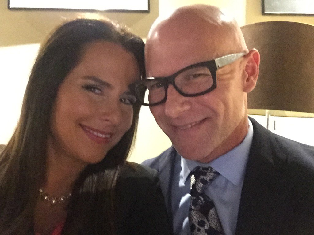 How I enjoy getting to see @DarrenKavinoky @DiscoveryID #IDCon https://t.co/eZRFI4qiVR