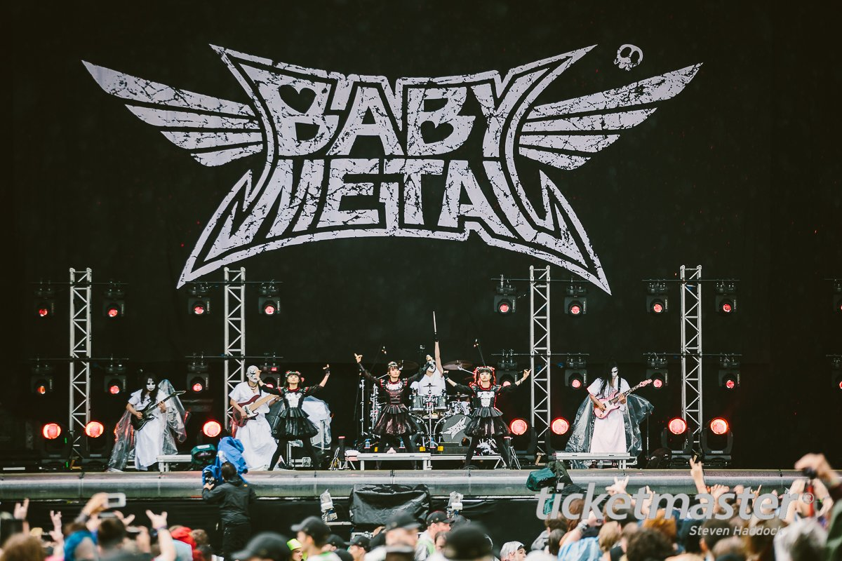 New @BABYMETAL_JAPAN photos from @DownloadFest this way >> https;//t.co/4byC7vudZ4 https;//...