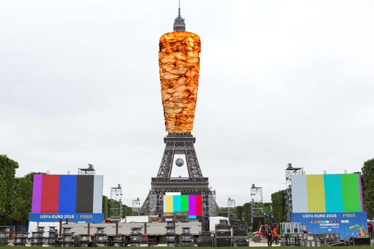 La tour eiffel qui s 39 illumine aux couleurs de la turquie - Couleur de la tour eiffel ...