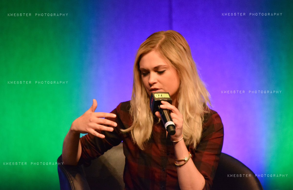 Photos i took of @MisElizaJane during her panel at @OzComicCon Melbourne today. #OzCC https://t.co/ux5xyZWYVN