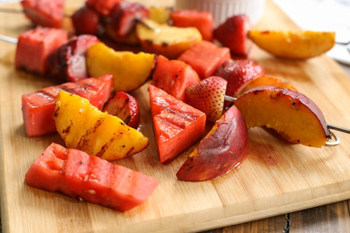 I fired up grilled fruit kabobs w/fresh whipped cream 2day for a Father's Day #SundaySupper! https://t.co/pZUeZMJUZL https://t.co/u455kHlp1U