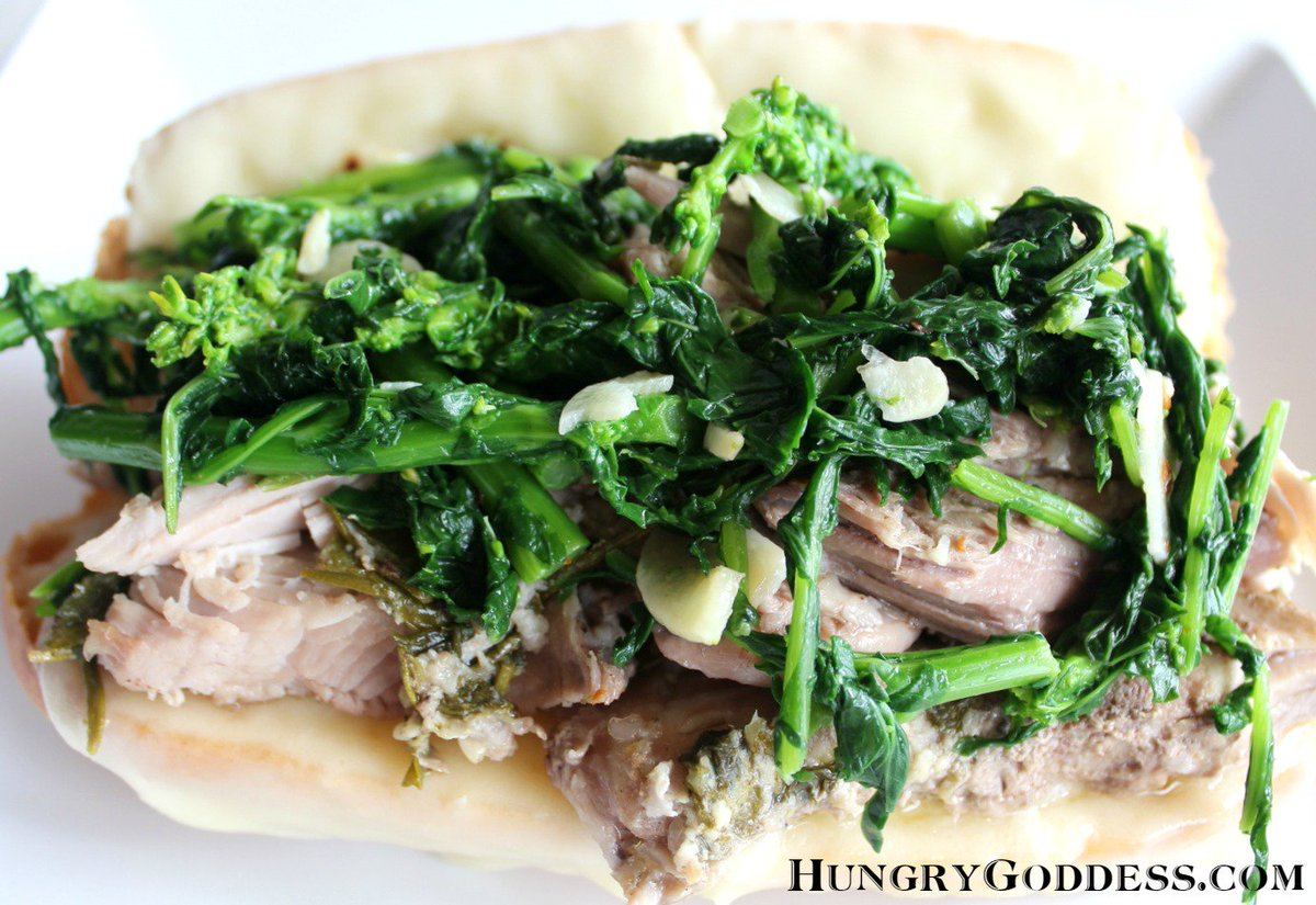 Philly Style Slow Roasted Pork Sandwich w/ Broccoli Rabe for #SundaySupper https://t.co/T6Im2TffNl #hgeats https://t.co/s1rWF7UrsY