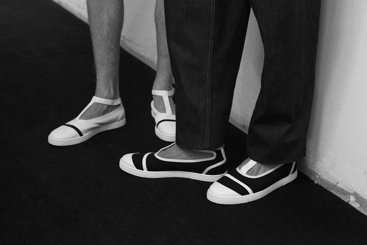 This season's @LouboutinWorld shoes for E. Tautz, Backstage  #ETautz #SS17 #LCM #ChristianLouboutin #mensshoes https://t.co/mx7jbDB2rA